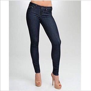 BEBE Quinn Skinny Jeans Size 28